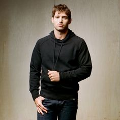 """American Giant makes """"the world's best"""" hoodies right in the USA. A small selection of other clothing at their site."""