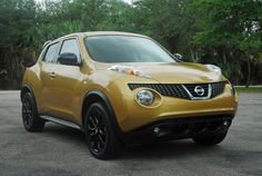 Nissan Juke Atomic Gold Crossover Suv, Nissan Juke, Geneva Motor Show, Automobile Industry, Video Photography, Driving Test, North America, Cars, Vehicles