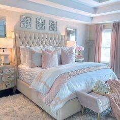 A romantic room . Cute Bedroom Ideas, Room Ideas Bedroom, Home Decor Bedroom, Bedroom Sets, Bedroom Decor Elegant, Luxury Bedroom Design, Girl Bedroom Designs, Interior Design, Simple Bedroom Design