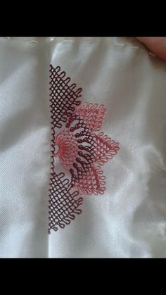 We have compiled free needle lace patterns and samples for every skill level. Browse lots of Free Crochet Patterns and Samples. Afghan Crochet Patterns, Lace Patterns, Knitting Patterns, Easy Knitting, Crochet Gratis, Free Crochet, Irish Crochet, Easy Crochet, Lace Bridal