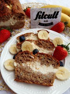 Neodolatelný banánový chlebík s cheesecake náplní (Recept) Stevia, Banana Bread, French Toast, Low Carb, Fresh, Breakfast, Sweet, Fitness, Recipes