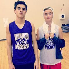 Hey guys lets get #wesupportyoujackandjack trending on twitter because they're getting a lot of hate on their last vine PLEASE?:)
