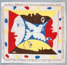 Pablo PICASSO (d'après) (1881-1973) Colombe aux quatre profils, 1951. Foulard imprimé