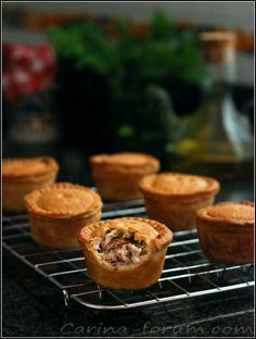 Mini pork and apples pies