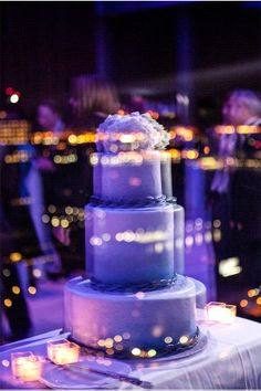 Such an awesome wedding cake image!! / New York City Wedding at Trump SoHo / Maya Myers Photography / via StyleUnveiled.com