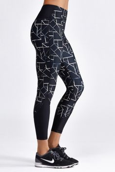 <p>The Taryn High Waist 7/8 Tight from Vie Active features key pocket on inner hip, slimming comp...