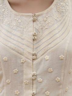 Salwar Neck Designs, Kurta Neck Design, Neckline Designs, Kurta Designs Women, Dress Neck Designs, Sleeve Designs, Hand Embroidery Dress, Kurti Embroidery Design, Embroidery Neck Designs