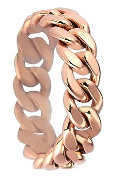Retro-inspired, this bold rose gold curb-chain ring adds unexpected glamour to the day-to-night style.