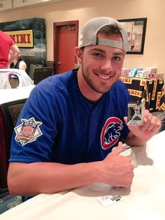 While baseball may be America's favorite pastime, baseball players are American women's favorite eye candy. Cue Kris Bryant, the Chicago all-star who plays 3rd base for the Cubs. I mean seriously, look at those eyes. Good