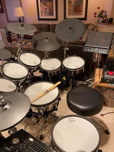 Drums Electric, Drums Artwork, Home Studio Music, Drum Sets, Music Mood, Rock N Roll, Cave, Music Instruments, Fresh