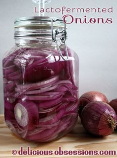 Delicious Obsessions: Lactofermented Onions in a Pickl-It | http://www.deliciousobsessions.com