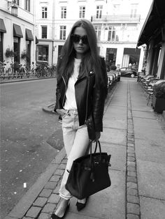 Sophia Roe with Birkin and boyfriend jeans.  @sophiaroe