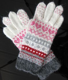 Hand knit wool gloves. #Knitted #patterned #gloves. #White #grey #pink gloves. #Estonian handcraft. Gift. Autumn, winter.https://www.etsy.com/listing/465266426/hand-knit-wool-gloves-knitted-patterned?ref=shop_home_active_1