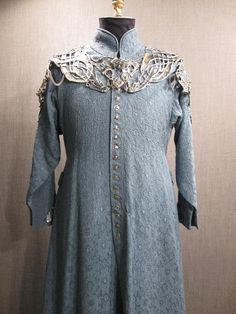 09035805 11002034 Robe Mens Medieval blue jaquard Large front view.JPG