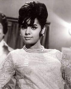Mumtaz Photos [HD]: Latest Images, Pictures, Stills of Mumtaz - FilmiBeat Vintage Bollywood, Indian Bollywood, Bollywood Stars, Indian Celebrities, Bollywood Celebrities, Bollywood Actress, Rekha Actress, Bollywood Heroine, Glamour World