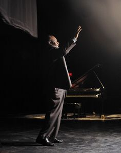 Oliver Jones. Great Canadian jazz pianist. Heard him many times in Ottawa too. A great man and human being. |Pinned from PinTo for iPad|