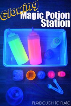 Glowing Magic Potion Station. Awesome kids science for Halloween!!