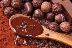 http://www.foodstory.ro/cum-sa-guides/lectia-de-gatit-cum-sa-temperezi-ciocolata-ca-un-profesionist