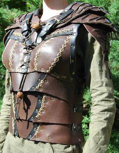 Armure féminine cousue