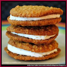 Dollar Store Crafter: Homemade Oatmeal Cream Pies