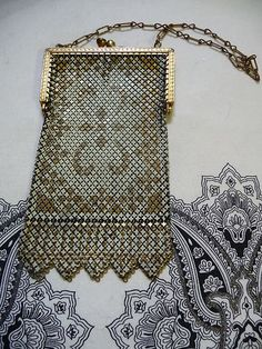 Periods & Styles Art Deco Antique Art Nouveau Gold Filigree Frame Hand Tan Knit Amber Yellow Bead Purse Meticulous Dyeing Processes