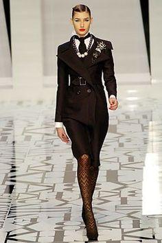 Valentino Fall 2004 Ready-to-Wear Fashion Show - Eugenia Volodina (NATHALIE)