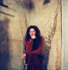 RIP Kaat Tilley (http://www.kaattilley.com/)... I loved the way you designed those romantic, dreamy clothes! I hope you find beauty even in afterlife...
