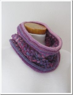 Woven I-Cord Cowl. This is brilliant. Spool Knitting, Knitting Patterns, Knitting Machine, Knit Cowl, Knit Crochet, Crochet Hats, I Cord, Fabric Jewelry, Sewing Hacks