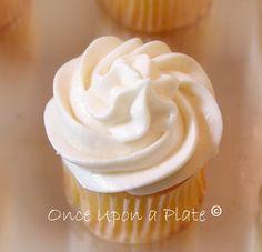 Lemon Cream Mini Cupcakes with Creamy Lemon Cream Cheese Frosting