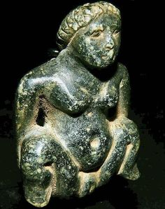 Baubo Sold on eBay in 2010 a more elegant Baubo in steatite, an amulet just 4 cms high, in another classic 'sheela-na-gig' pose