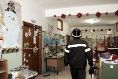 Crolla il soffitto a scuola, feriti due bambini nel Veronese  http://tuttacronaca.wordpress.com/2014/02/21/crolla-il-soffitto-a-scuola-feriti-due-bambini-nel-veronese/
