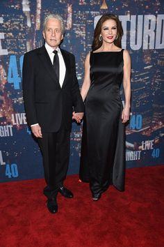 Pin for Later: Saturday Night Life rief und die Stars kamen in Scharen Michael Douglas und Catherine Zeta-Jones