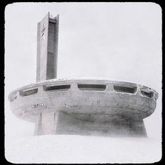 La casa abandonada del partido comunista búlgaro, en lo alto del monte Buzludzha, Bulgaria