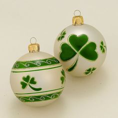 Last Trending Get all images celtic christmas decorations Viral ee a a c adc a b b Christmas In Ireland, Celtic Christmas, Green Christmas, A Christmas Story, Christmas Balls, All Things Christmas, Christmas Crafts, Christmas Decorations, Christmas Ornaments
