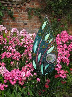 Glass panel with pink phlox - Art in the Garden at Doddington Hall