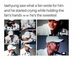 ''Taehyung viu o que um fã escreveu para ele e ele começou a chorar enquanto segurava as mãos do fã. Ele é o mais doce!''