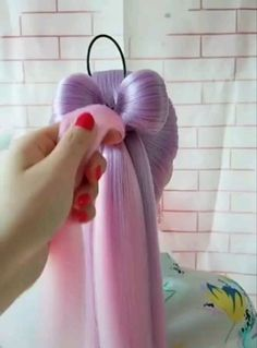 Rainbow Hair Bow Tutorial - Frisuren einfache - rainbow Stills Pretty Hairstyles, Girl Hairstyles, Popular Hairstyles, Wedding Hairstyles, Long Hair Hairdos, Hairstyle Ideas, Kawaii Hairstyles, Simple Hairstyles, Ponytail Hairstyles