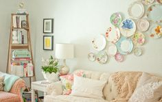 DIY & Budget ideas for decorating and organizing.