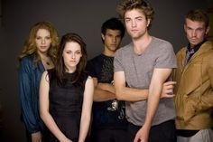 lertf to right : Rachell Lefevre, Kristen Stewart, Taylor Lautner, Robert Pattinson, and Cam Gigandet........