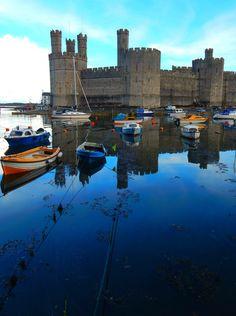 Caernarfon Castle, Caernarfon, Gwynedd, Wales, UK
