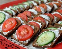 Party Rye with Tomato & Cucumber ♥ AVeggieVenture.com, five minutes prep, red and green for the holidays. Low Carb.