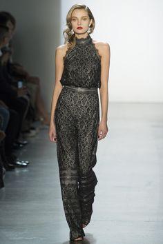 The complete Tadashi Shoji Fall 2018 Ready-to-Wear fashion show now on Vogue Runway.