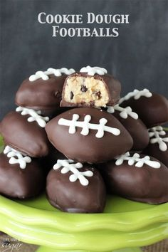 Eggless Chocolate Chip Cookie Dough Footballs - perfect for a Super Bowl Party and College Championship party! Eggless cookie dough shaped into footballs and dipped in chocolate! Köstliche Desserts, Delicious Desserts, Dessert Recipes, Superbowl Desserts, Birthday Desserts, Tailgate Desserts, Picnic Recipes, Picnic Ideas, Picnic Foods