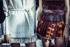 En backstage du défilé Isabel Marant printemps-été 2015 http://www.vogue.fr/mode/inspirations/diaporama/fwpe2015-en-backstage-du-defile-isabel-marant-printemps-ete-2015/20522/image/1091392#!4