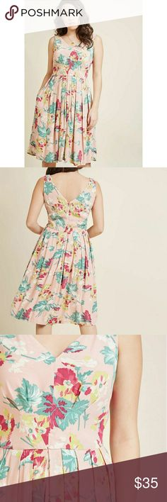 Emily and Fin Floral Midi Dress Sz L New with tags attached and in perfect condition. Modcloth Dresses Midi