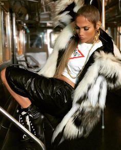 Jennifer Lopez on set of her new music video