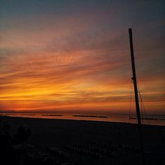 Siamo innamorati di questi colori! #spiaggiapanfilo #tramonti