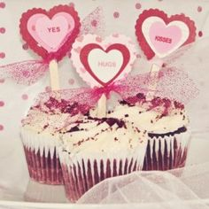 Cupcake Craft Idea – Easy To Make Valentine Cupcake Toppers