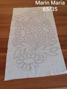 Cutwork Embroidery, Floral Embroidery Patterns, Doily Patterns, Crochet Flower Tutorial, Crochet Flowers, Romanian Lace, Point Lace, Crochet Tablecloth, Filet Crochet
