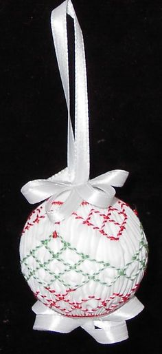complete instructions for smocking an ornament..try with shiny material and mom's glass beads for glitz!!